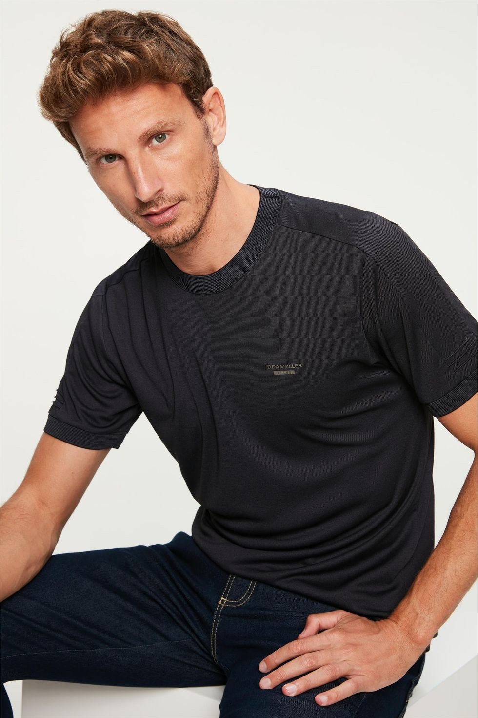 Camiseta-Lisa-College-Basica-Masculina-Frente--