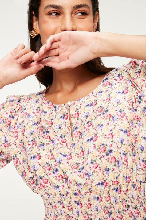 Blusa-com-Lastex-e-Estampa-Floral-Mini-Detalhe--