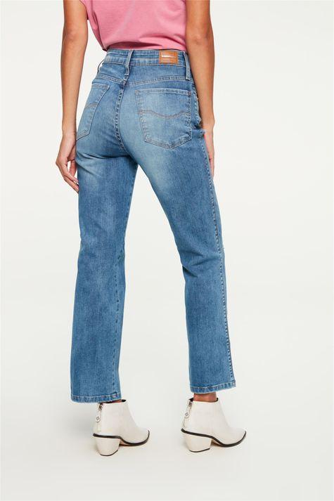 Calca-Jeans-Reta-Cropped-com-Destroyed-Costas--