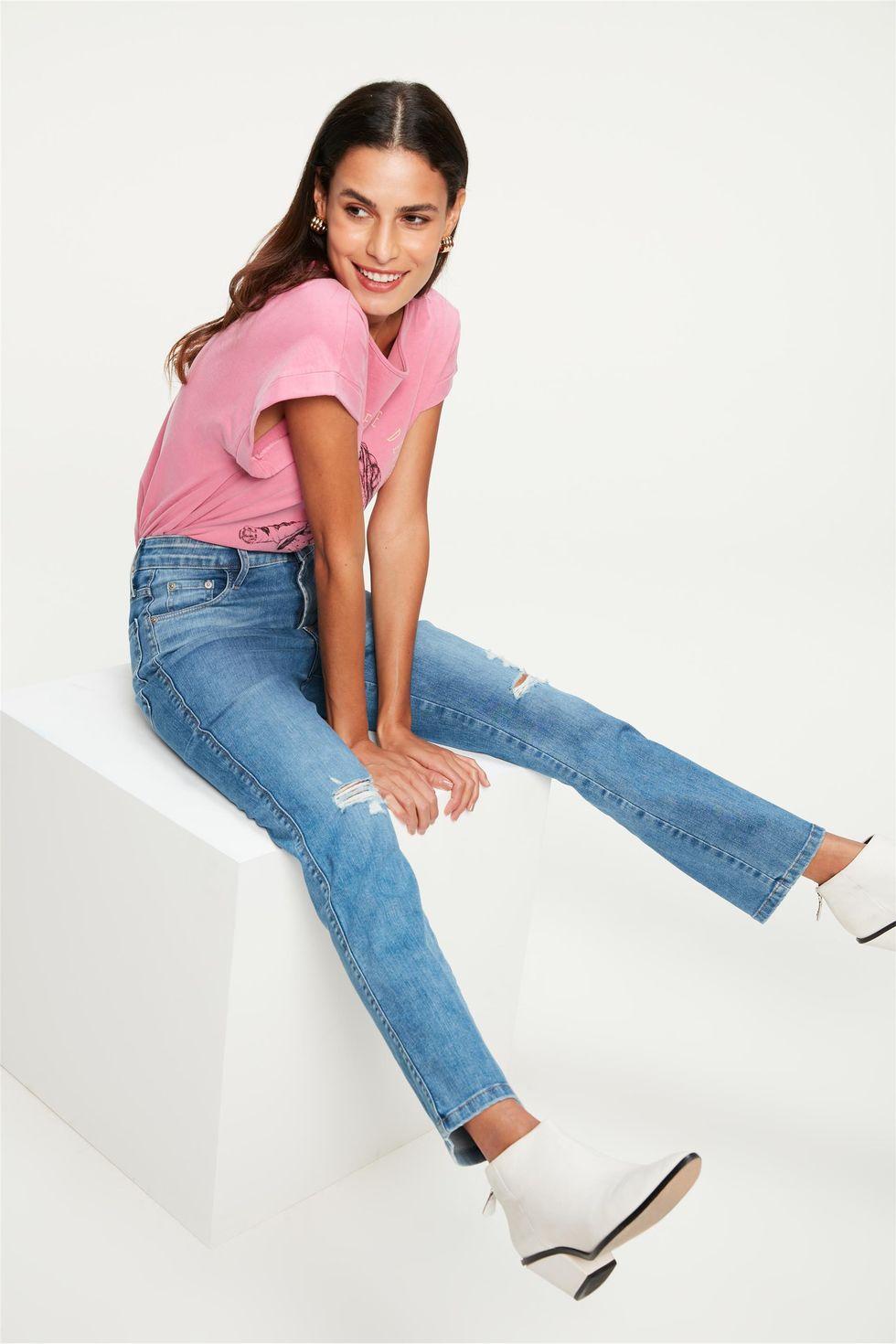 Calca-Jeans-Reta-Cropped-com-Destroyed-Frente--