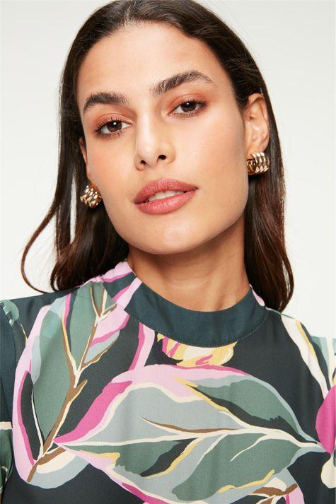 Blusa-Soltinha-com-Estampa-Floral-Detalhe--