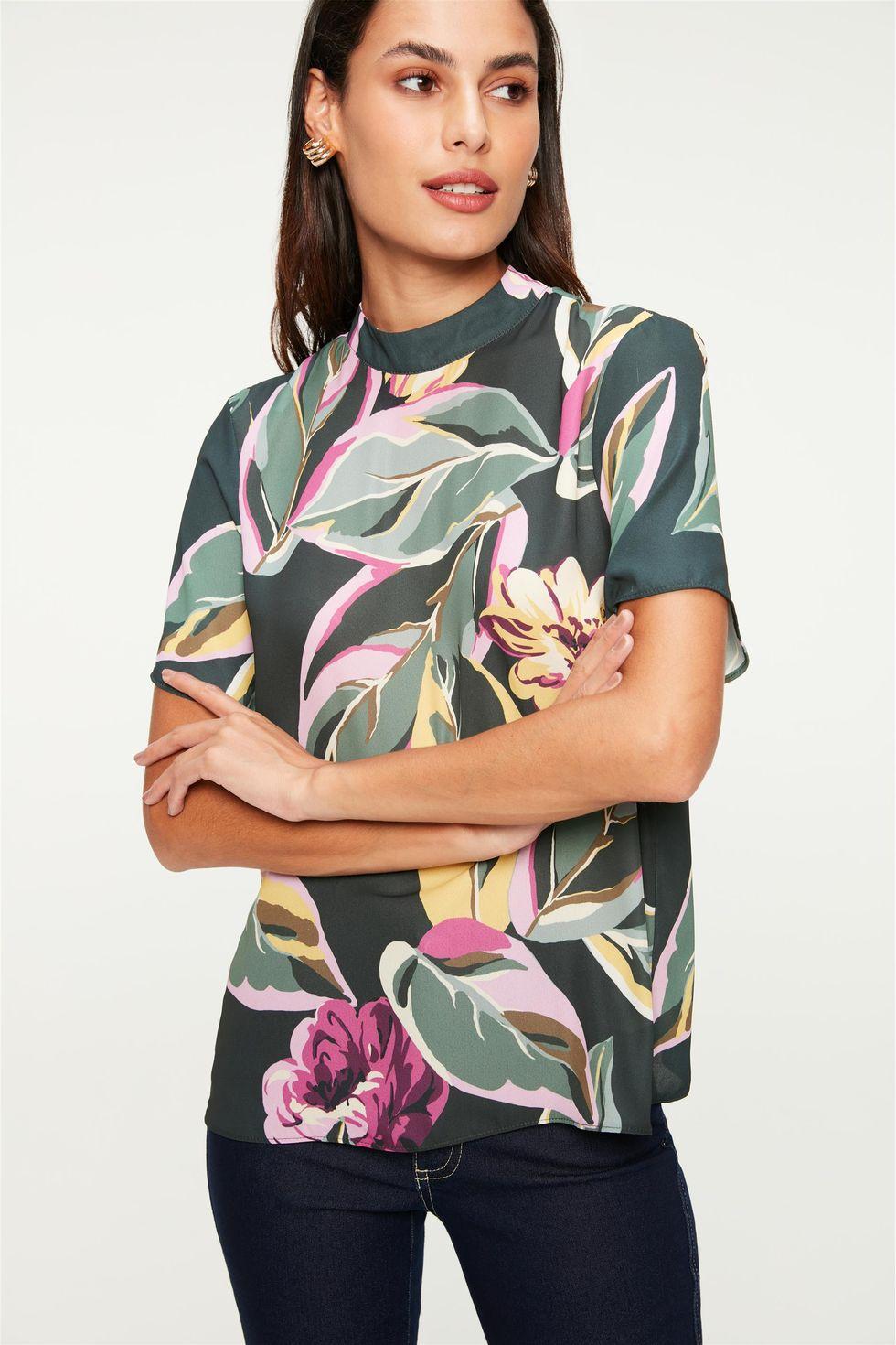 Blusa-Soltinha-com-Estampa-Floral-Frente--