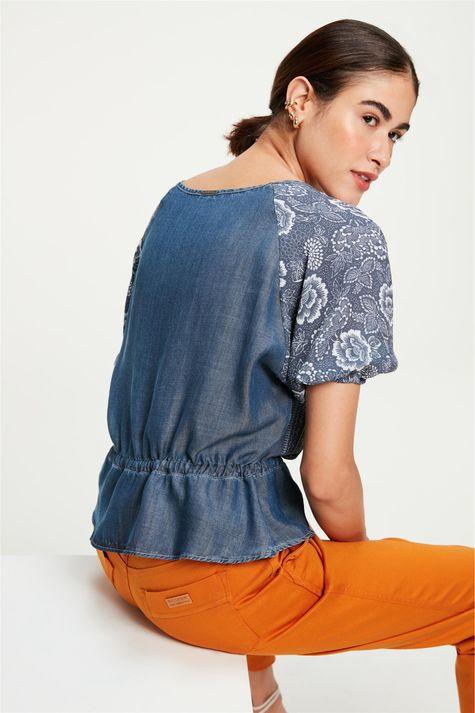 Blusa-Jeans-Franzida-com-Estampa-Floral-Costas--