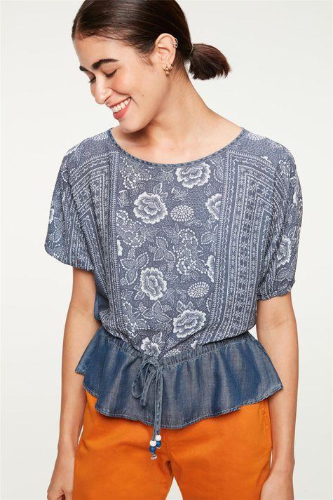 Blusa-Jeans-Franzida-com-Estampa-Floral-Detalhe--