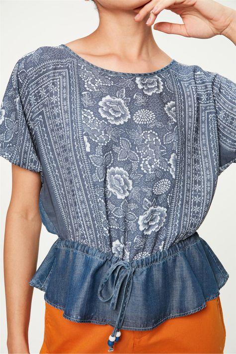 Blusa-Jeans-Franzida-com-Estampa-Floral-Detalhe-1--