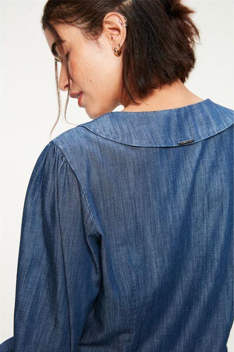 Camisa-Jeans-Maxi-Gola-e-Mangas-Bufantes-Detalhe-1--