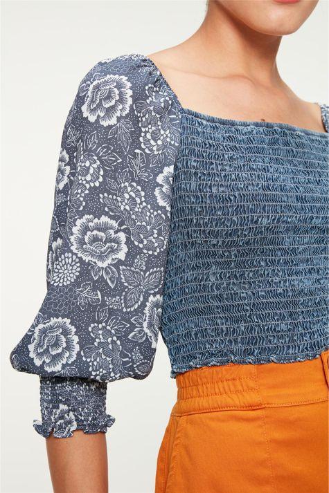 Blusa-Jeans-de-Lastex-e-Mangas-Bufantes-Detalhe--