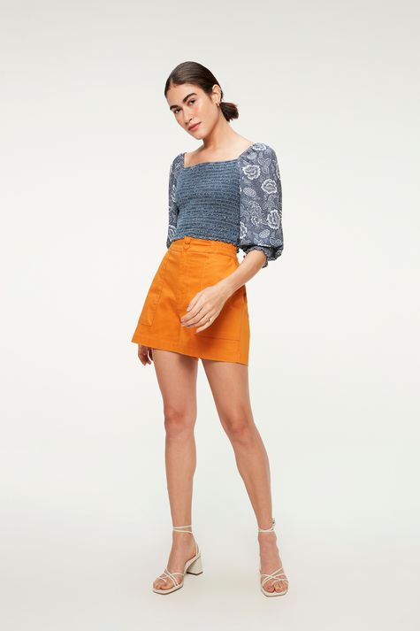 Blusa-Jeans-de-Lastex-e-Mangas-Bufantes-Detalhe-1--