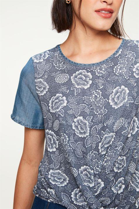 -Blusa-Jeans-Leve-com-Estampa-Floral-Detalhe--