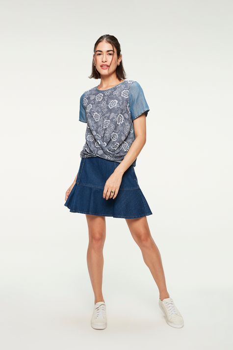 -Blusa-Jeans-Leve-com-Estampa-Floral-Detalhe-1--