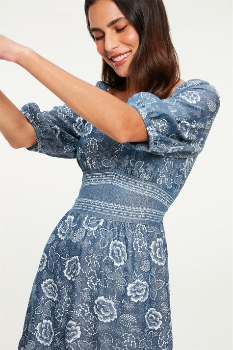 Vestido-Midi-Jeans-Leve-Estampa-Floral-Detalhe--