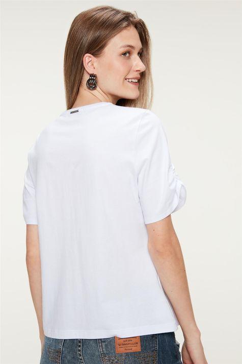 Camiseta-com-Estampa-Skin-Care-Costas--