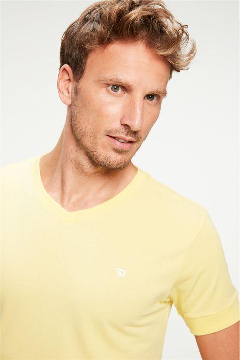 Camiseta-College-Gola-V-Masculina-