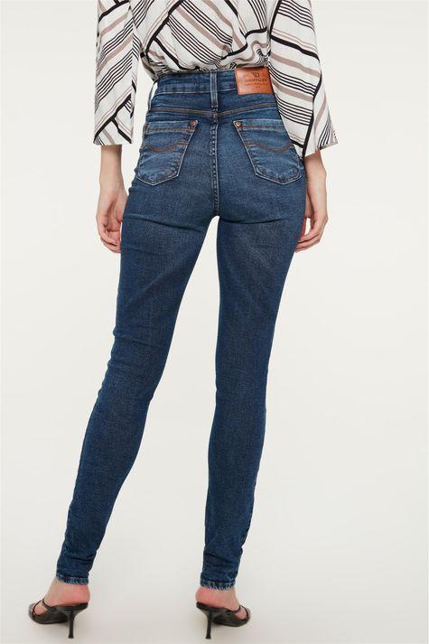 Calca-Jeans-Escuro-Skinny-com-Marcacoes-Costas--