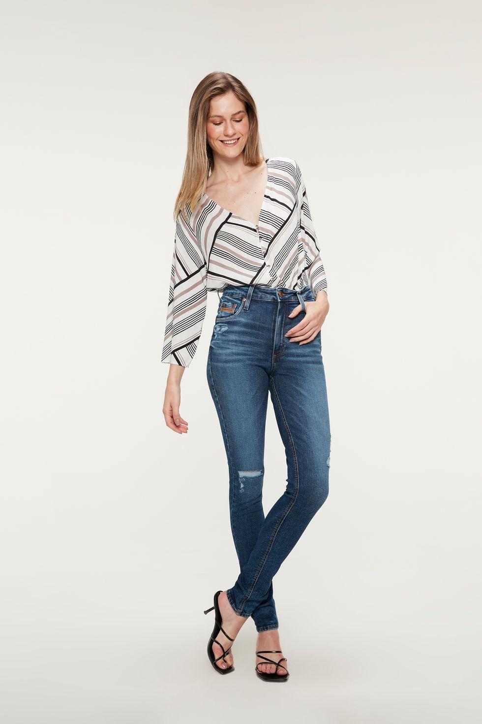 Calca-Jeans-Escuro-Skinny-com-Marcacoes-Frente--