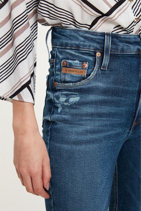 Calca-Jeans-Escuro-Skinny-com-Marcacoes-Detalhe-1--