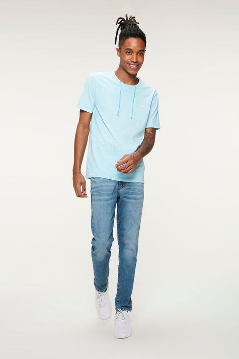 Camiseta-Lisa-com-Cordao-Masculina-Detalhe-2--