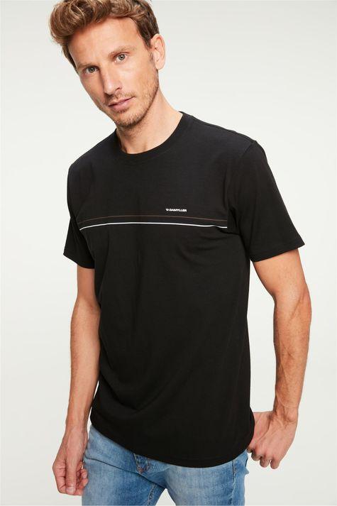 Camiseta-com-Estampa-Minimalista-Frente--