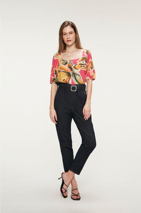 Blusa-Decote-Quadrado-Estampa-Floral-Detalhe-1--