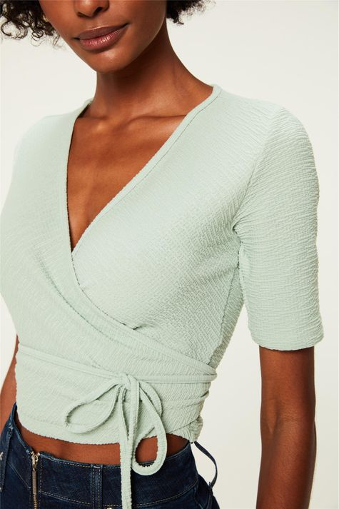 Blusa-com-Transpasse-Cropped-Textura-Detalhe--