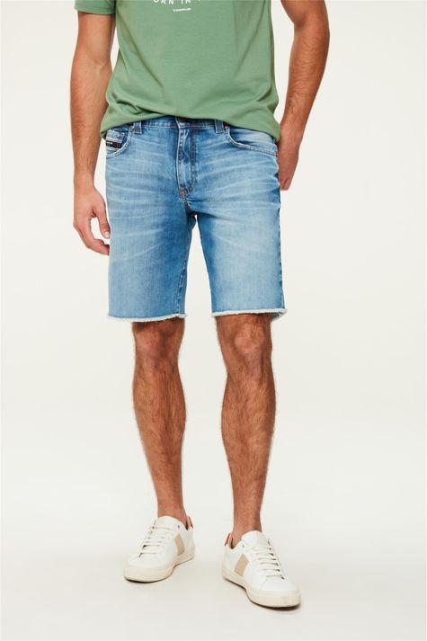 Bermuda-Jeans-Reta-Barra-Desfiada-C25-Detalhe--