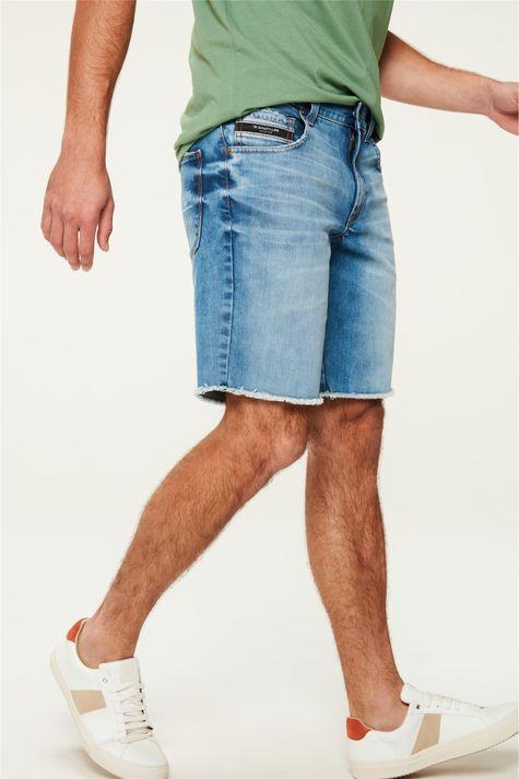 Bermuda-Jeans-Reta-Barra-Desfiada-C25-Detalhe-1--