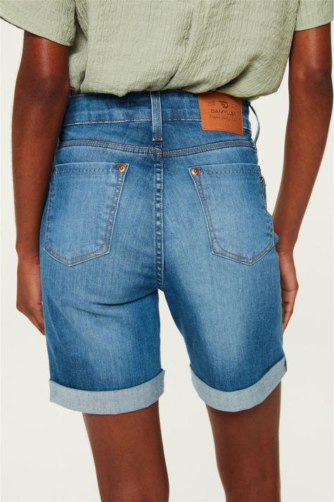 Bermuda-Jeans-Justa-Barra-Dobrada-C18-Costas--