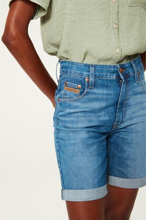 Bermuda-Jeans-Justa-Barra-Dobrada-C18-Detalhe--