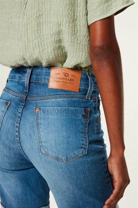 Bermuda-Jeans-Justa-Barra-Dobrada-C18-Detalhe-1--