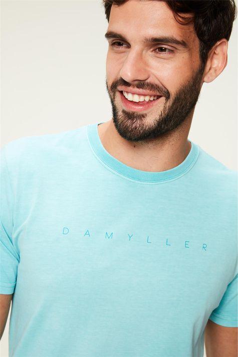 Camiseta-Tingida-com-Estampa-Damyller-Detalhe--
