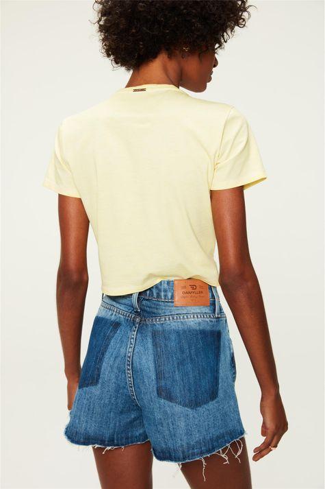 Short-Jeans-Cintura-Alta-com-Marcacoes-Costas--