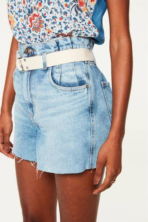 Short-Jeans-Claro-Medio-Clochard-Detalhe--