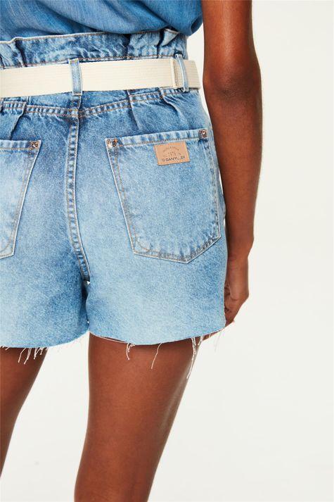 Short-Jeans-Claro-Medio-Clochard-Detalhe-1--