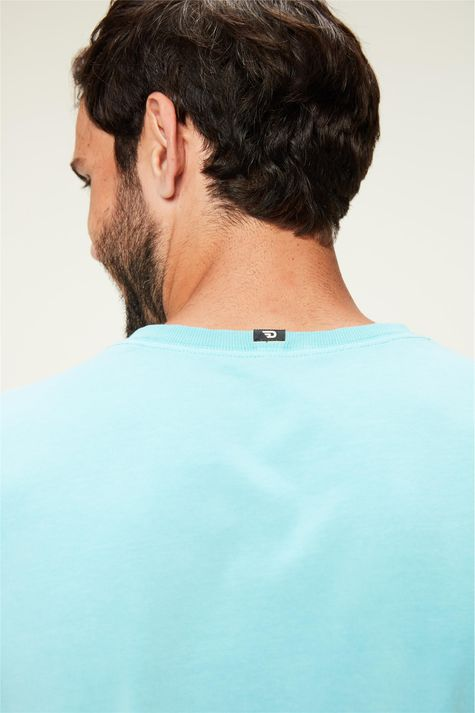 Camiseta-Estampa-Fotografia-Masculina-Detalhe-1--