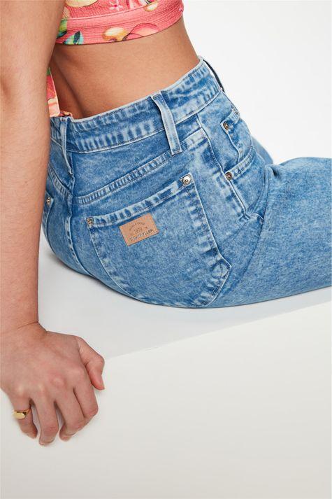 Calca-Jeans-Reta-Cintura-Super-Altissima-Detalhe-1--