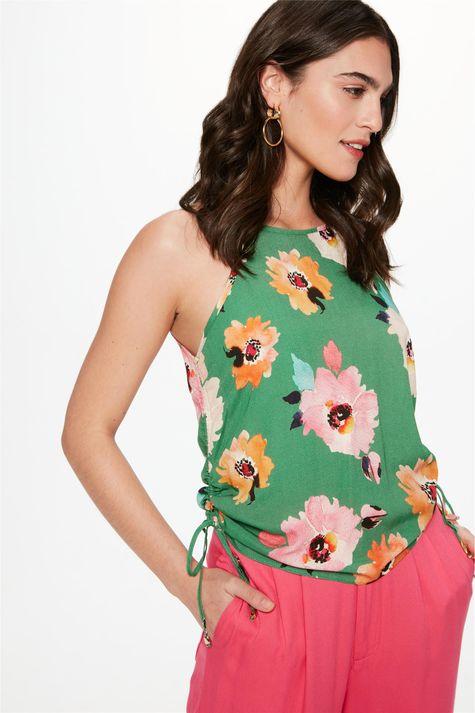 Blusa-de-Alca-com-Estampa-Floral-Verde-Frente--