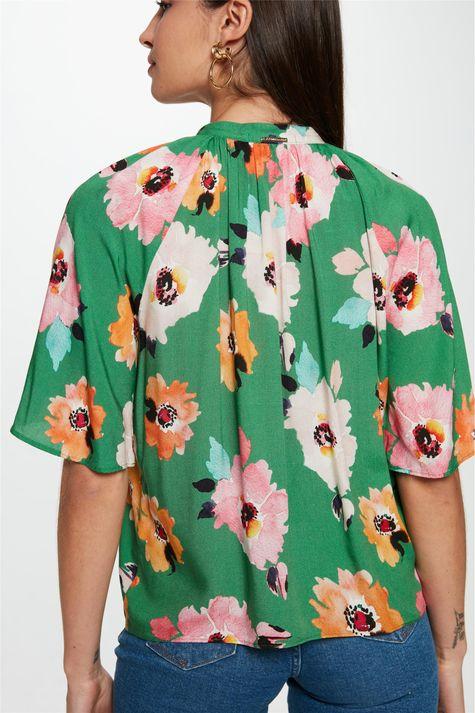 Blusa-Solta-com-Estampa-Floral-Verde-Costas--