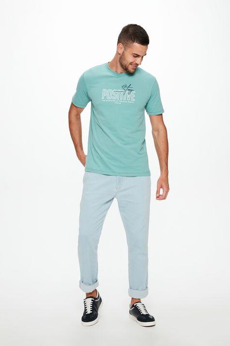 Camiseta-com-Estampa-Stay-Positive-Detalhe-2--