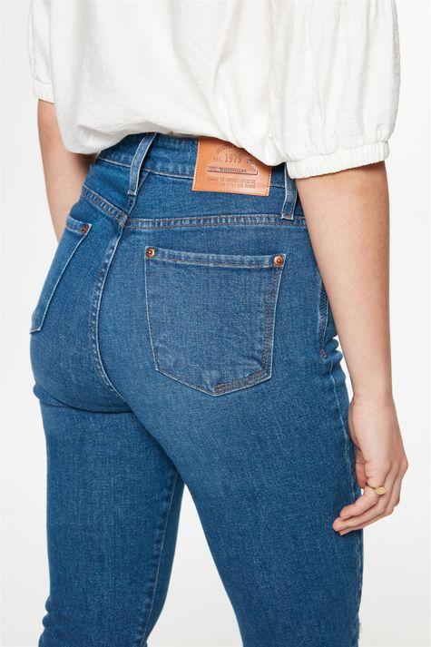 Calca-Jeans-Skinny-com-Recorte-Feminina-Detalhe-1--