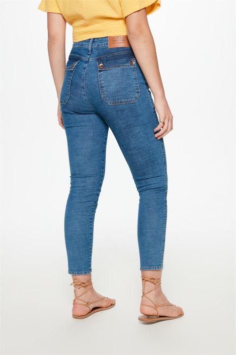Calca-Jeans-Medio-Slim-com-Recorte-Costas--
