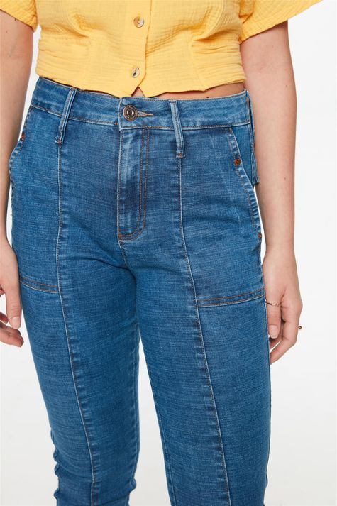 Calca-Jeans-Medio-Slim-com-Recorte-Detalhe-2--