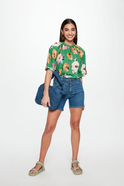Bermuda-Jeans-Justa-com-Recorte-Feminina-Detalhe-1--