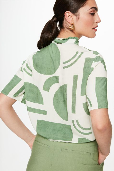 Camisa-com-Estampa-Geometrica-Feminina-Costas--