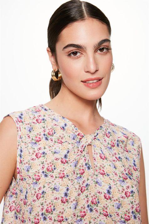 Blusa-sem-Mangas-com-Estampa-Floral-Mini-Detalhe--