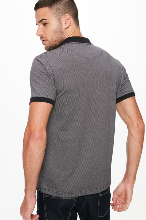 Camisa-Gola-Polo-Preto-e-Off-White-Costas--