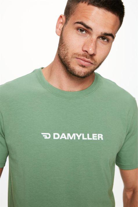 Camiseta-com-Estampa-Logo-Damyller-Detalhe-1--