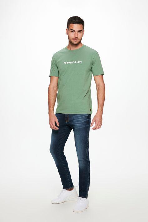 Camiseta-com-Estampa-Logo-Damyller-Detalhe-2--