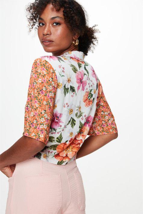 Camisa-Manga-Curta-Estampa-Mix-Florais-Costas--