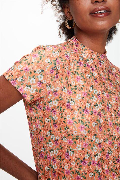 Blusa-Canelada-com-Estampa-Floral-Mini-Detalhe--