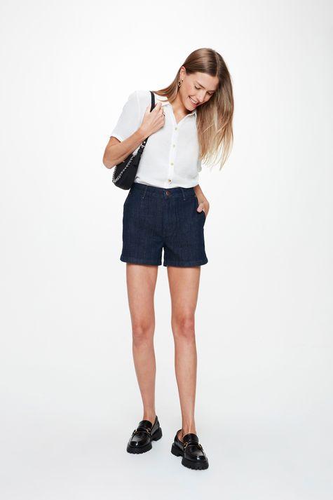 Short-Jeans-Escuro-Amaciado-Solto-Medio-Detalhe-2--